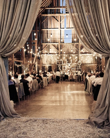 How to dress up a barn wedding venue?